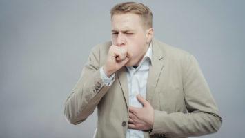 Сухой кашель у взрослого